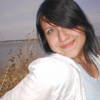 Helen Stark Author Photo.DPI 72